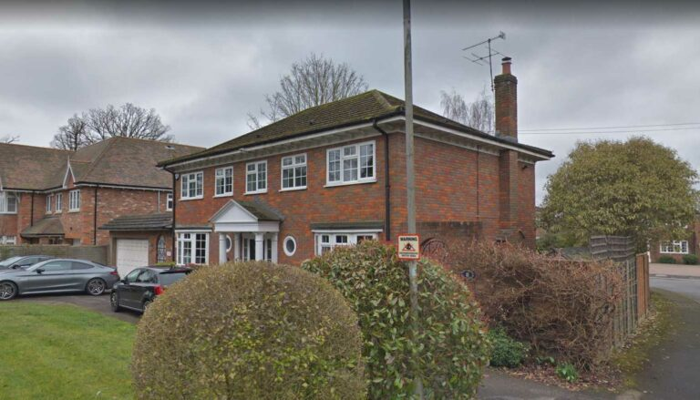 1-construction-single-storey-and-2-storey-front-extensions-and-associated-roof-alterations-hertsmere-borough